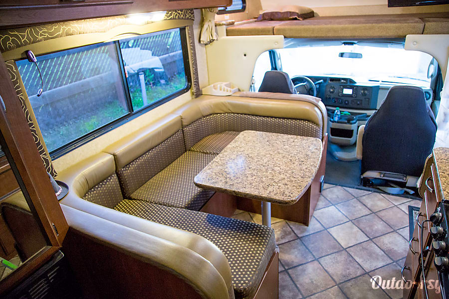 2014 Chateau Cali Cruiser with amenities Carlsbad, CA
