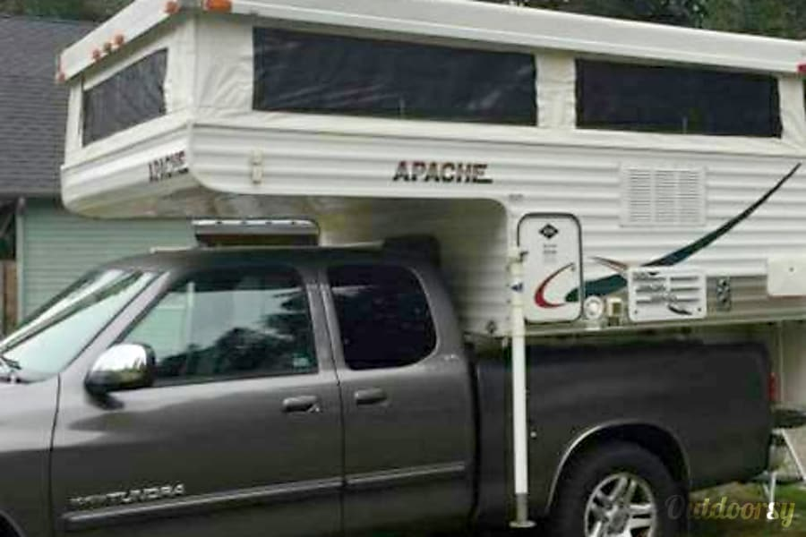 "Truck Camper ""Everglades"" Fully Outfitted+Solar! Sheridan, OR Loaded on a 2006 Tundra"