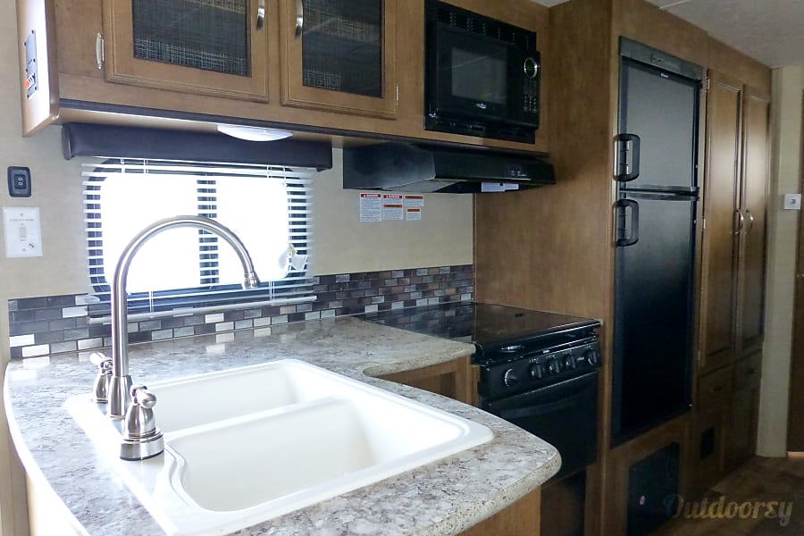 interior 28' Wildwood With Bunk Beds/Slide-Out (T24) San Marcos, CA