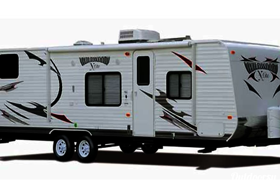 exterior 28' Wildwood With Bunk Beds/Slide-Out (T25) San Marcos, CA