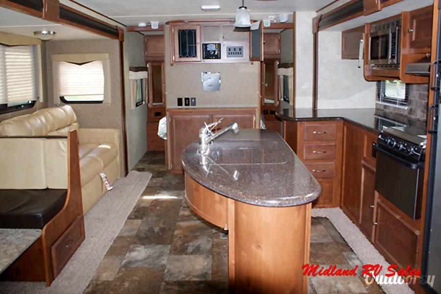 interior 2015 Gulf Stream 29 BIK Midland, MI