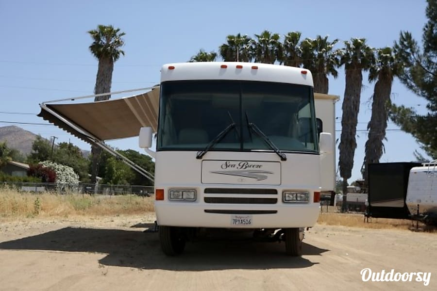35ft Seabreeze class A Perris, CA Updated electric awning