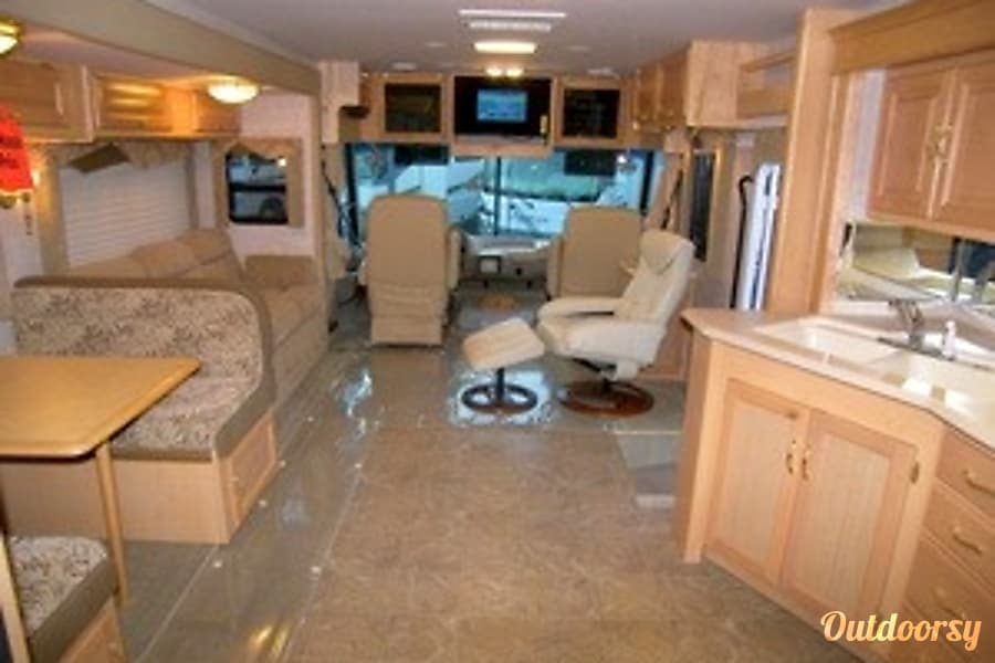 35ft Seabreeze class A Perris, CA Newly refinished interior