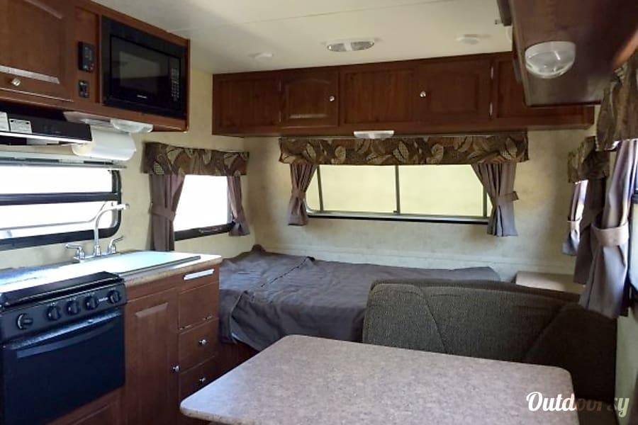 2013 Microlite 18' travel trailer Perris, CA