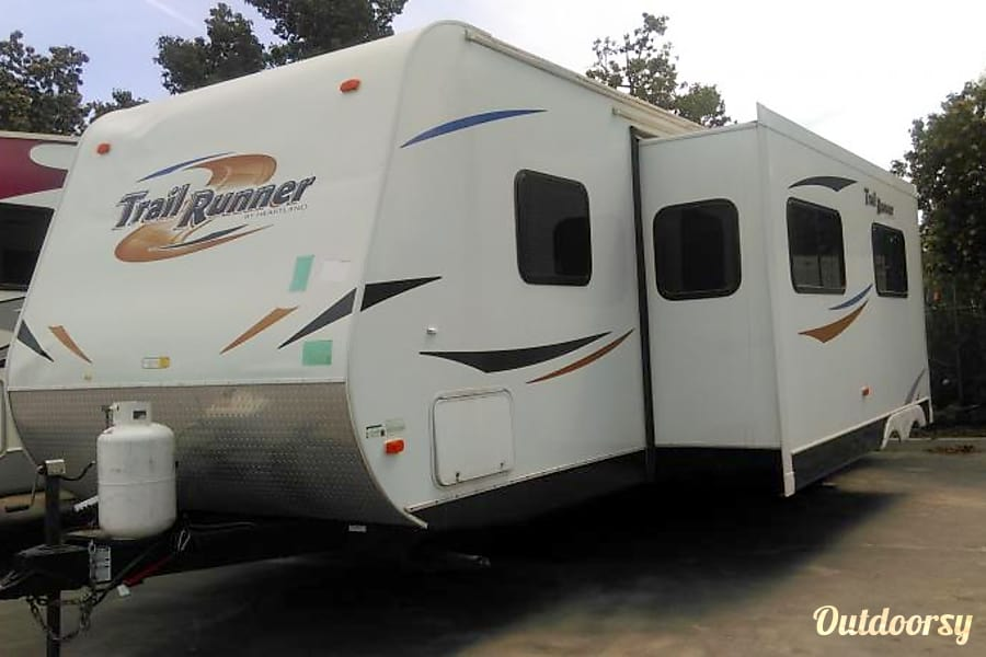 2011 30' TRAIL RUNNER Riverside, CA