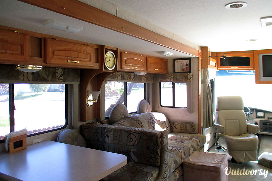 2005 Georgie Boy Landau Boise, ID All the comforts of home