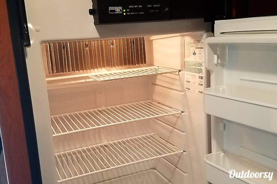 2017 Minnie Winnie Salt Lake City, UT large fridge/freezer