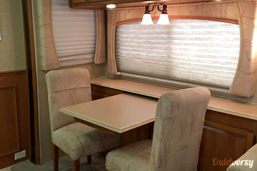 AD5468 2008 Holiday Rambler Neptune Riverside, MO Dinette (free-standing)