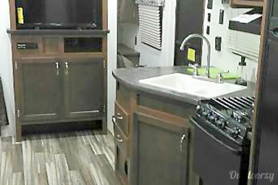 "The Rejuvenator / 2017 Jayco Jay Flight Pearland, TX Nice 32"" HD TV in the living room kitchen area for your enjoyment!"