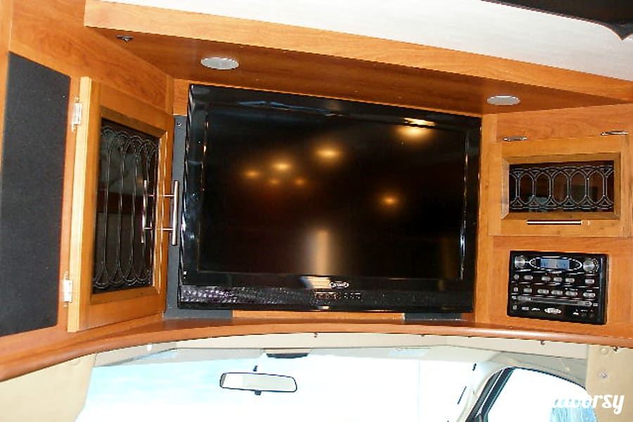BG5940 2012 Coachmen Concord Riverside, MO Entertainment center