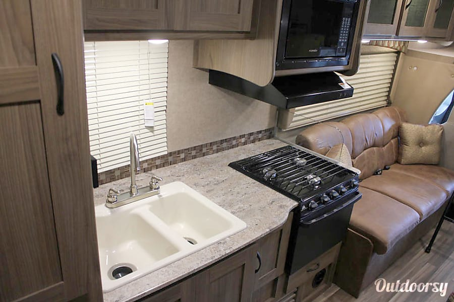 2017 Coachmen Freelander Oakdale, CA