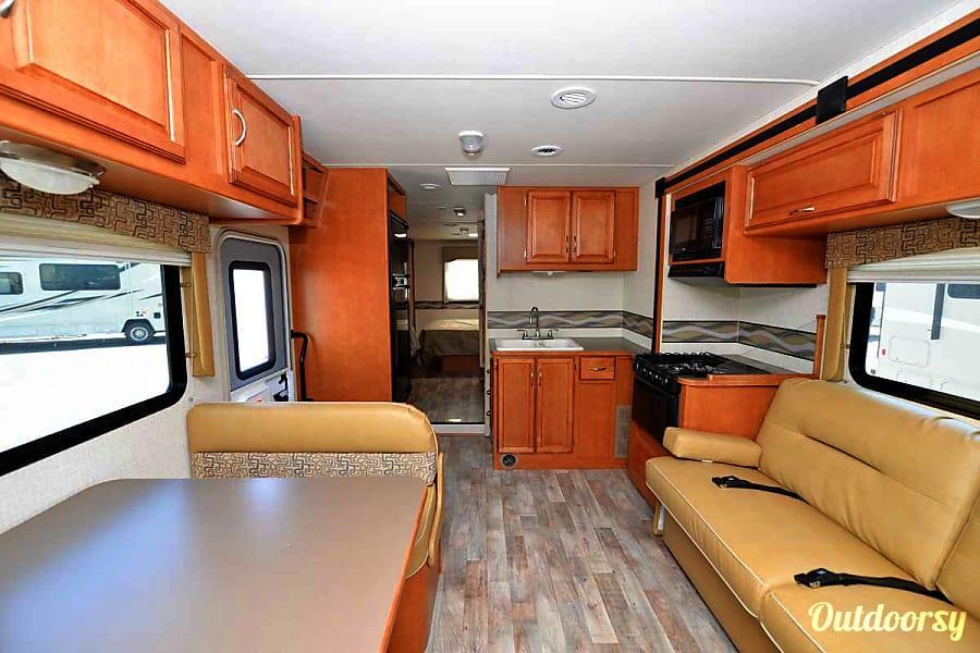 2017 Winnebago Minnie Winnie 331 Bunk Aurora, CO