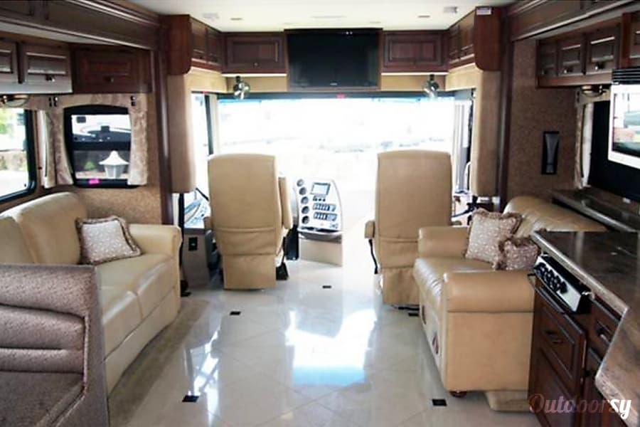 Luxury Motor Coach Evansville, IN