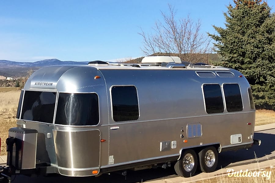 exterior Silver Queen : 25' Airstream Carbondale, CO