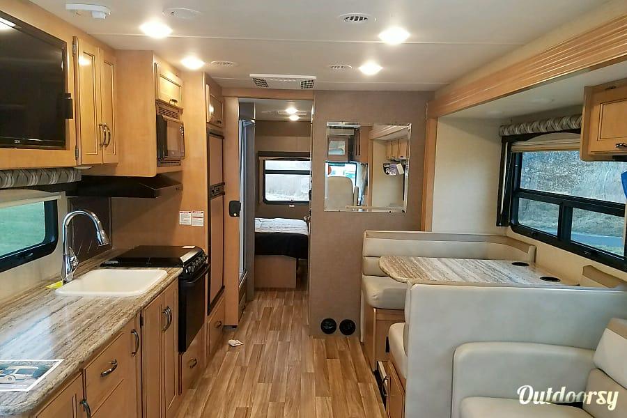 interior 2017 Thor Motor Coach A.C.E 30 FT. Plainfield, IL