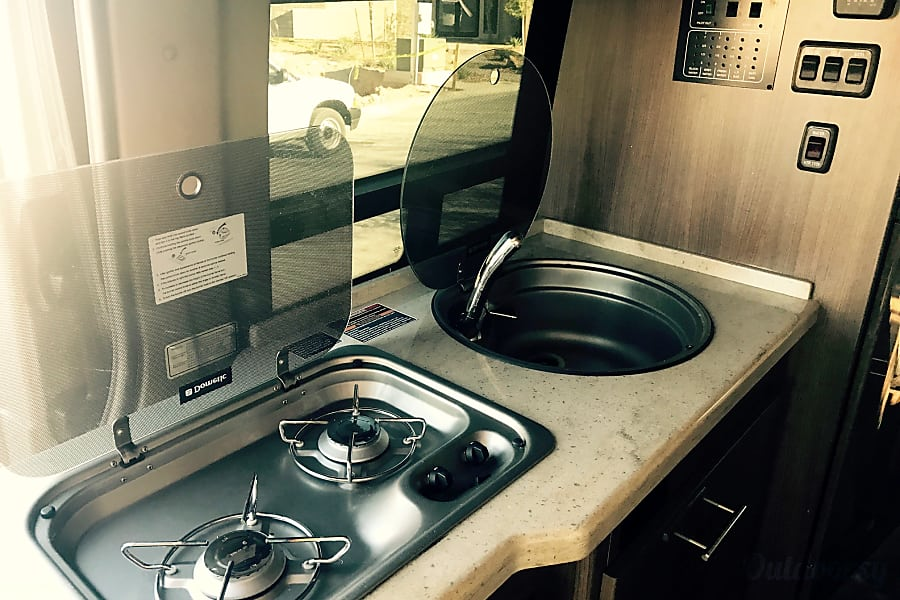 2015 Mercedes-Benz Sprinter Era Las Vegas, NV 2 range stove top and sink with hot/cold water