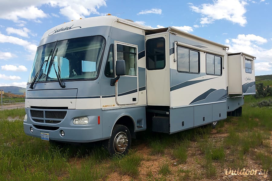 exterior Rent our nice low milage 2003 36 foot RV for your next trip! Loveland, CO