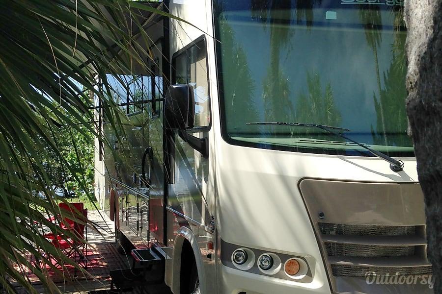 2016 Forest River Georgetown 30X3 Orlando, FL Campsite
