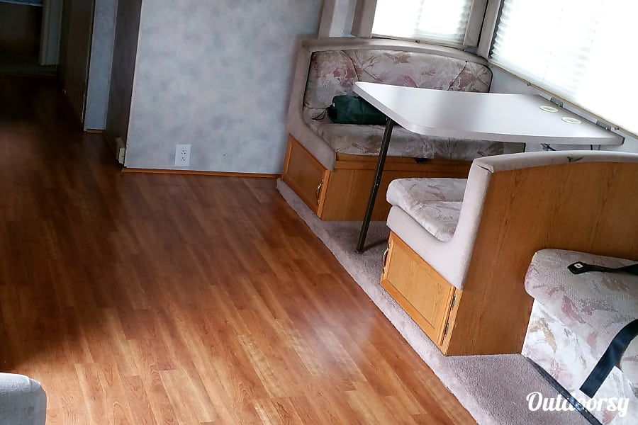 interior Four Winds Hurricane  ~ Great Family RV, easy to drive, easy to park, fun to camp! Manchester, MO