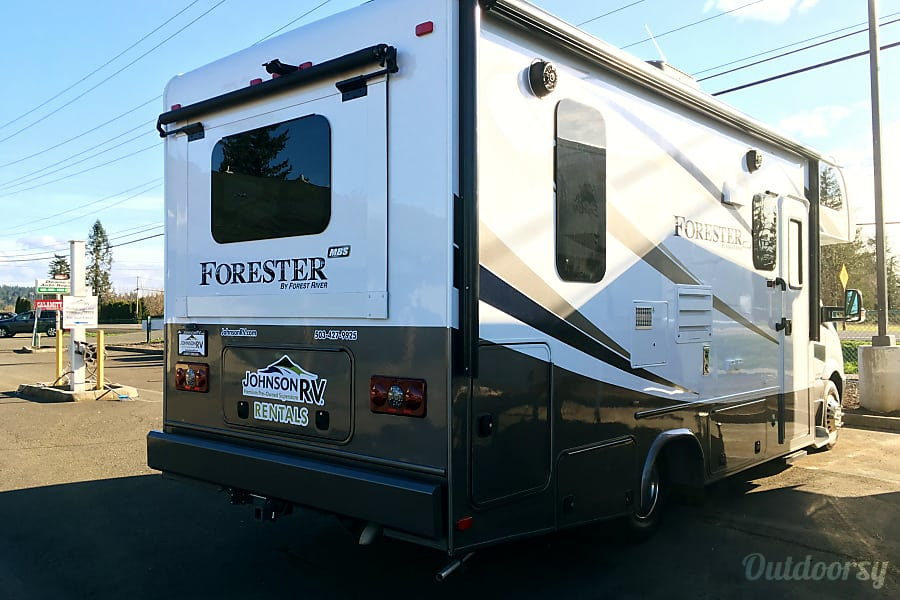 2017 Forest River Forester Diesel 24' Sandy, OR