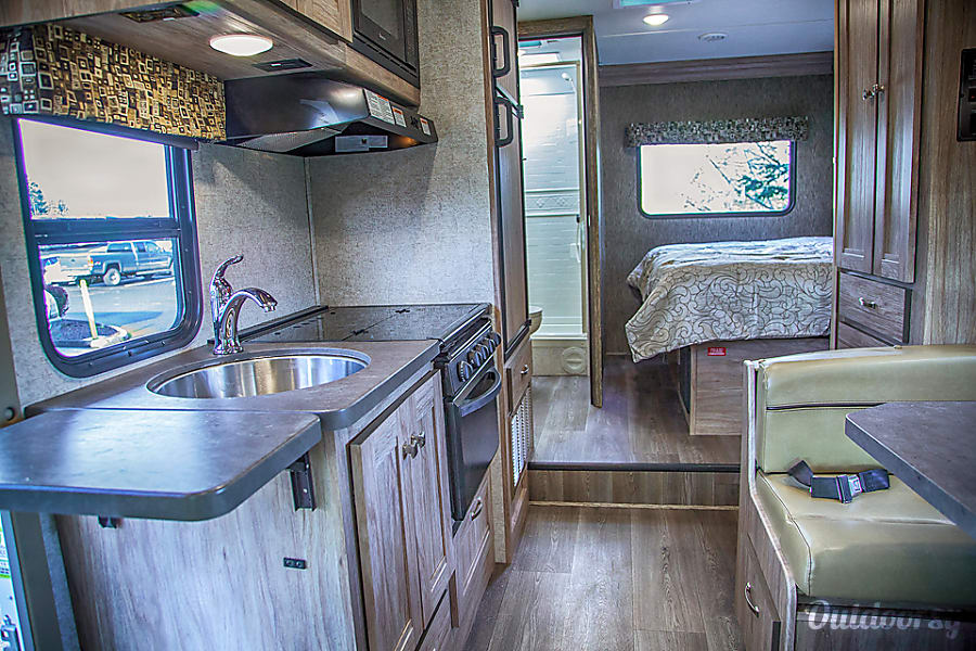 2018 Forest River Sunseeker 24' Sandy, OR