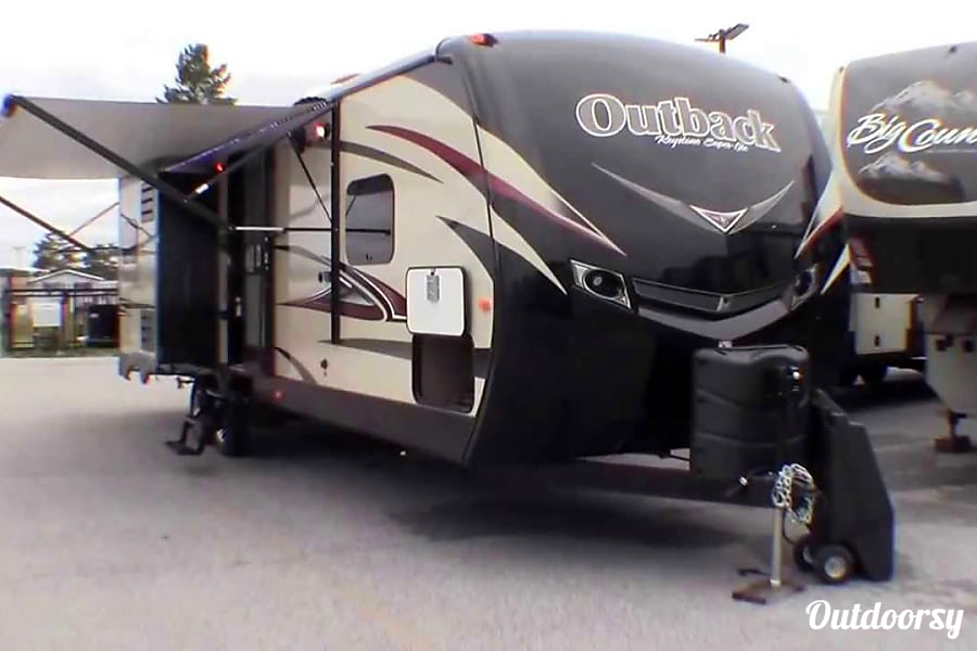 2015 Keystone Outback (Bunk House, Outdoor Kitchen, Bluetooth Outdoor Speakers) Princeton, IL