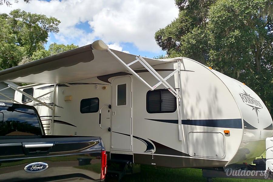 exterior Great Family Camper Brandon, FL