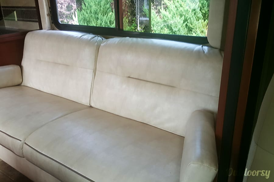 2015 Winnebago Minnie Winnie Issaquah, WA Living pull-out couch, turns into a full-sized bed