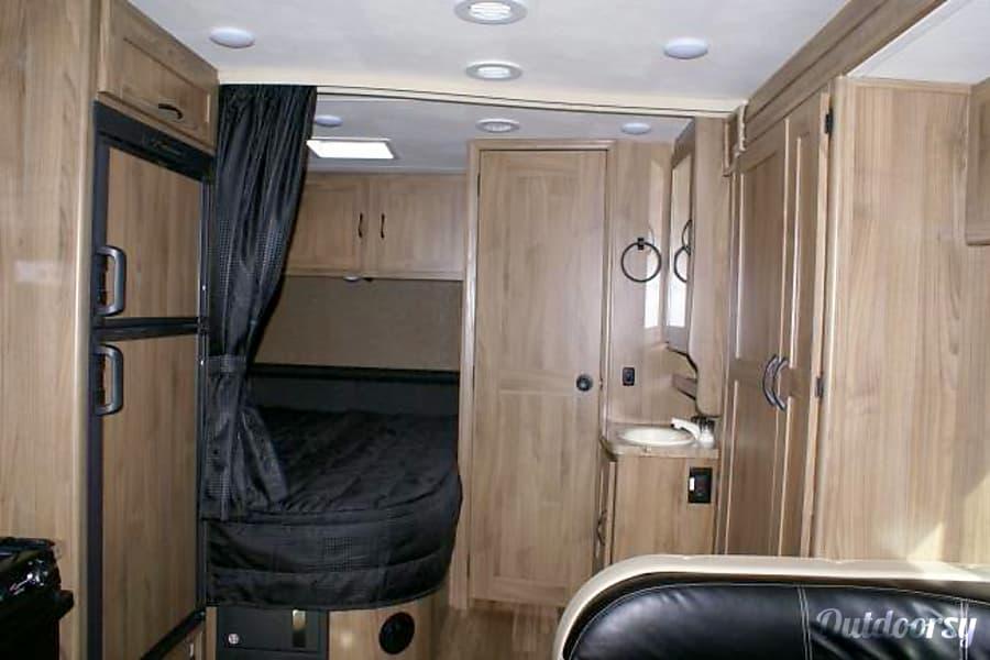 25ft Coachmen Prism 2150LE San Diego, CA