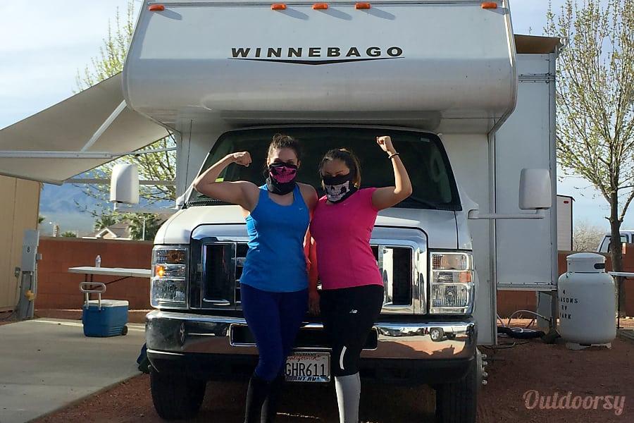 exterior 2015 Winnebago Minnie Winnie Rancho Cucamonga, CA