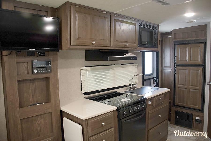 RV 17: 2017 Rockwood Mini Lite 2109S Herndon, VA