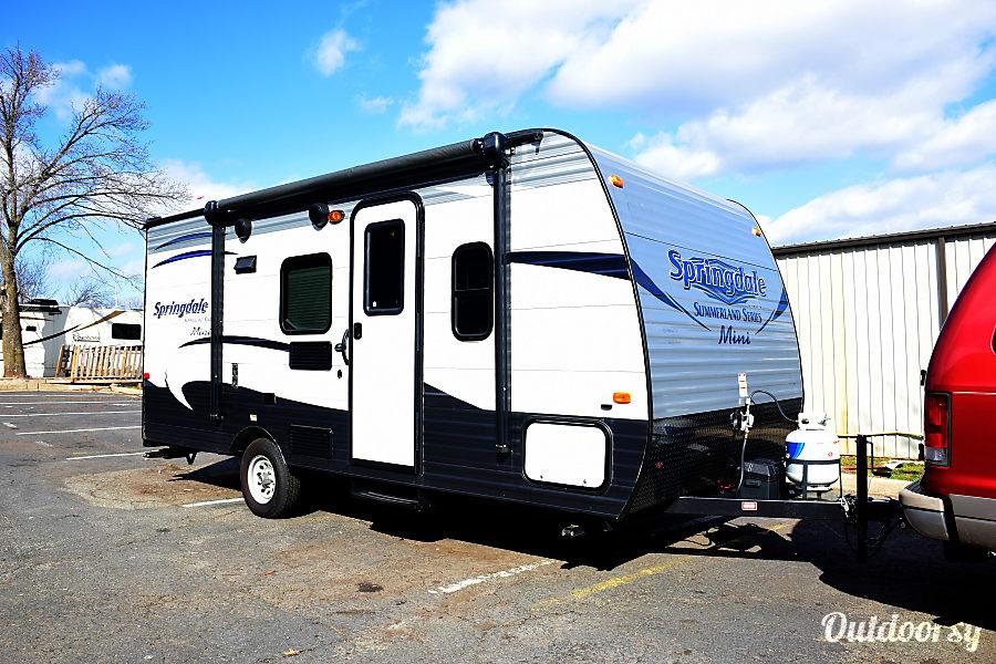 interior RV 35: Springdale 2 Herndon, VA