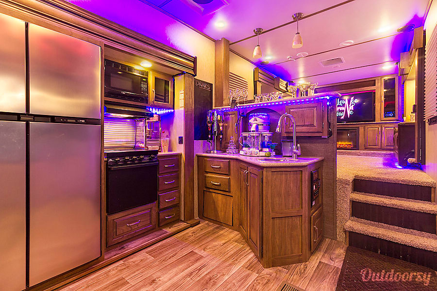interior Ultimate tailgater/ hospitality trailer Boston, MA