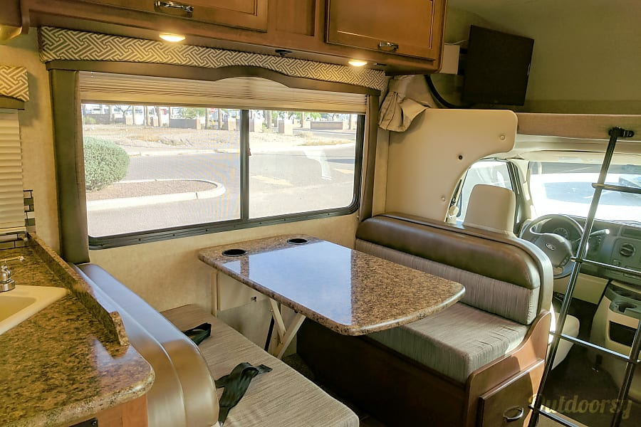 interior 2017 Thor Motor Coach Chateau Tucson, AZ