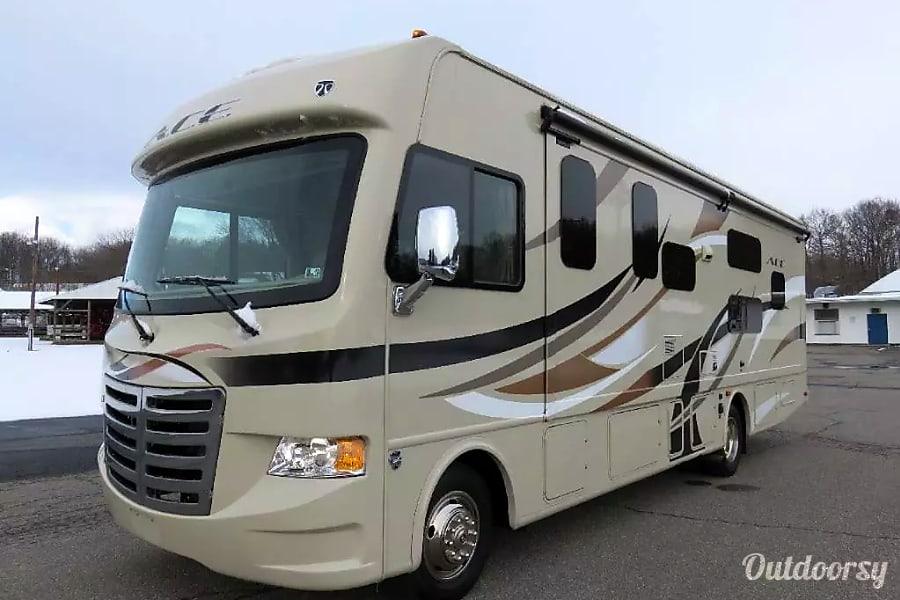 2015 Thor Motor Coach A.C.E. 30.2 Bunkhouse Ronks, PA