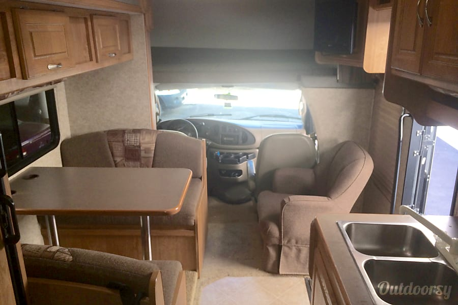 San Diego - 2008 Coachmen Freelander San Diego, CA Plenty of space even with the slide closed.