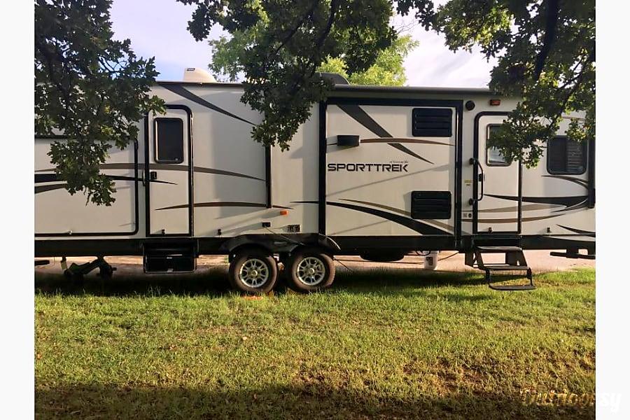 exterior 2015 Venture Rv Sporttrek Argyle, TX