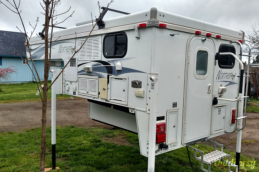 "Truck Camper ""Glacier"" Fully Outfitted+Solar! Sheridan, OR"