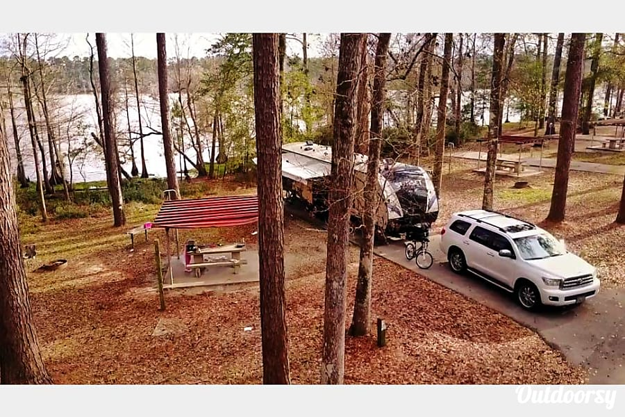 exterior 2017 Sunset Trail - Perfect Bunkhouse Trailer Knoxville, TN