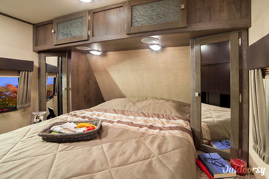 interior 2017 Dutchmen Kodiak Ultimate Luxury Flagstaff, AZ