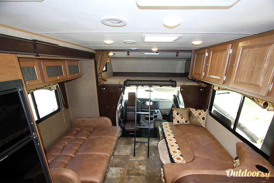 interior 2017 Coachmen Leprechaun Tan Man Rancho Santa Margarita, CA