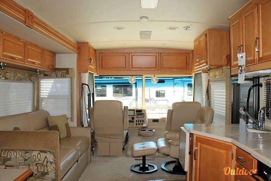 interior 2007 Winnebago Adventurer Phoenix, Arizona