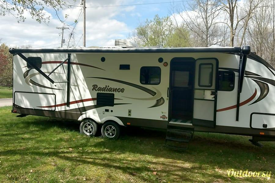 Radiance Bunkhouse Camper - 21 Muskegon, MI