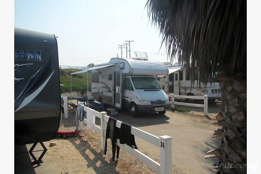 exterior 2007 Dodge Mini C San Diego, CA