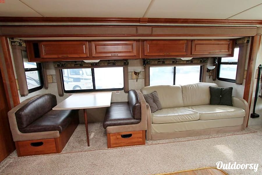 2005 Fleetwood Expedition Santa Clarita, CA This is Photo with different interior colors..  updated photos coming soon!