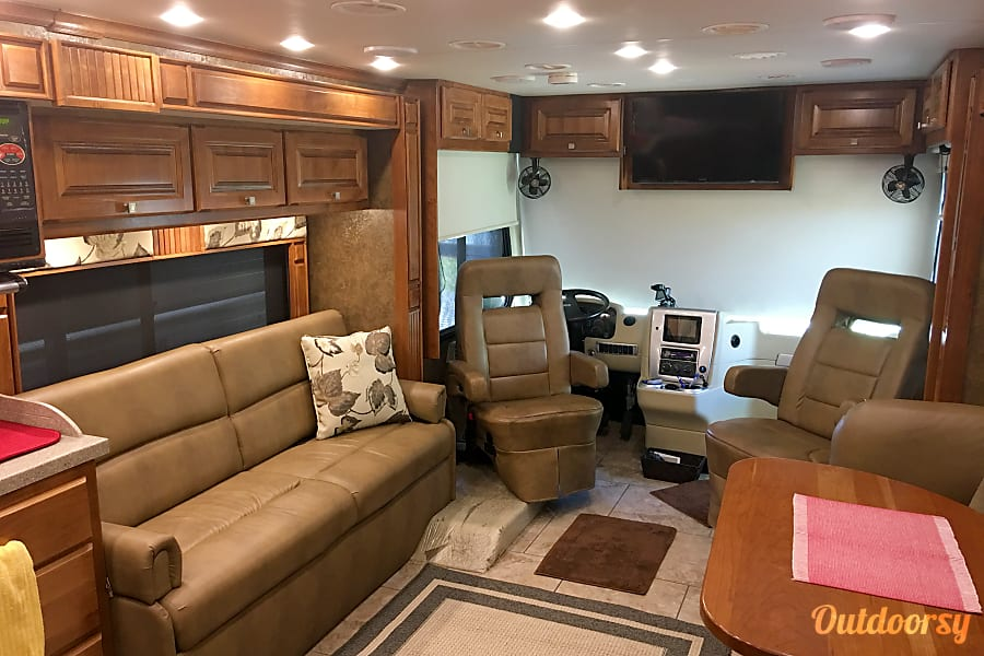 interior 2014 Tiffin Motorhomes Allegro Breeze Inman, SC