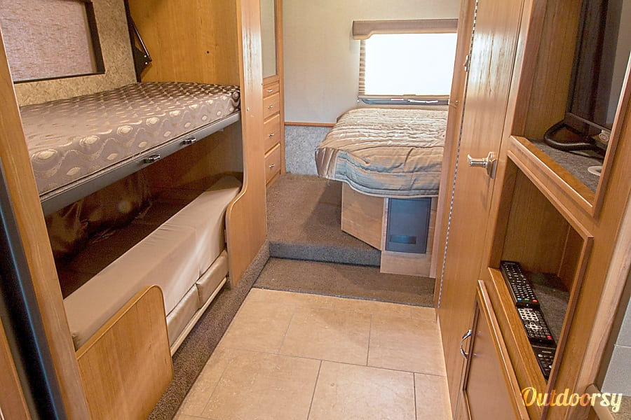 Fleetwood Storm - 32' Class A With Bunks Riverview, FL Bunk beds with entertainment center