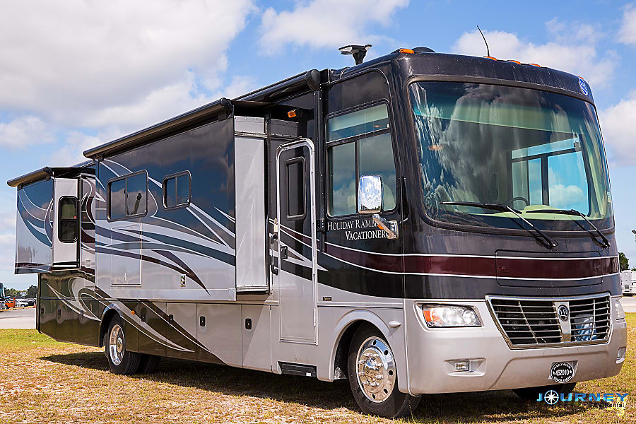 exterior Holiday Rambler Vacationer - 36' Class A Riverview, FL