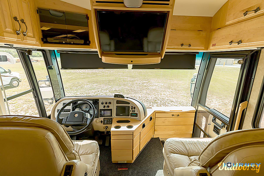 American Tradition - 40' Class A Diesel Riverview, FL Cab area