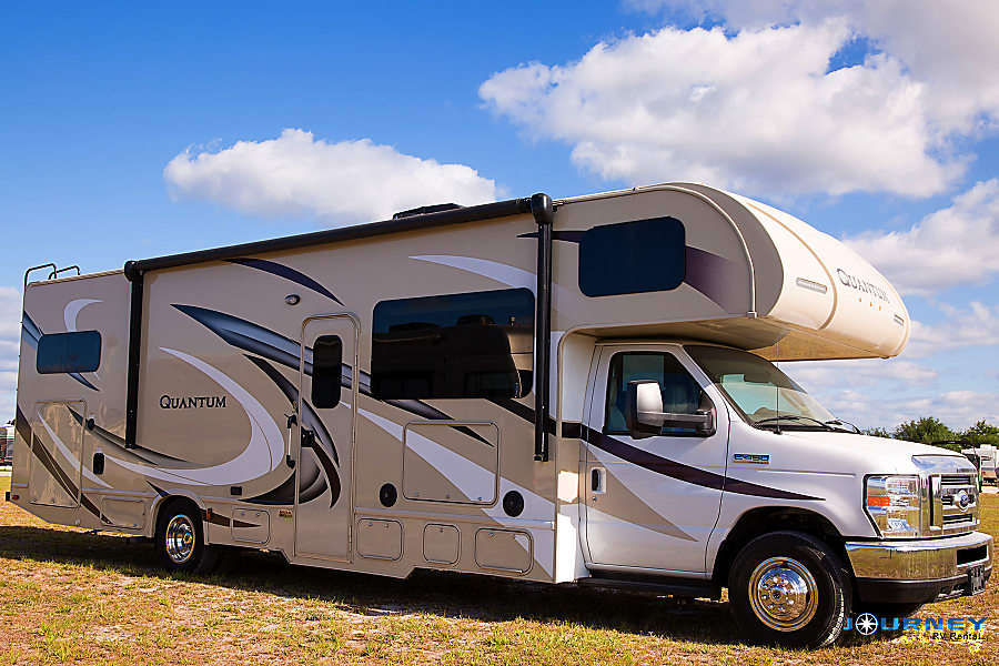 exterior Thor Quantum - 31' Class C Riverview, FL